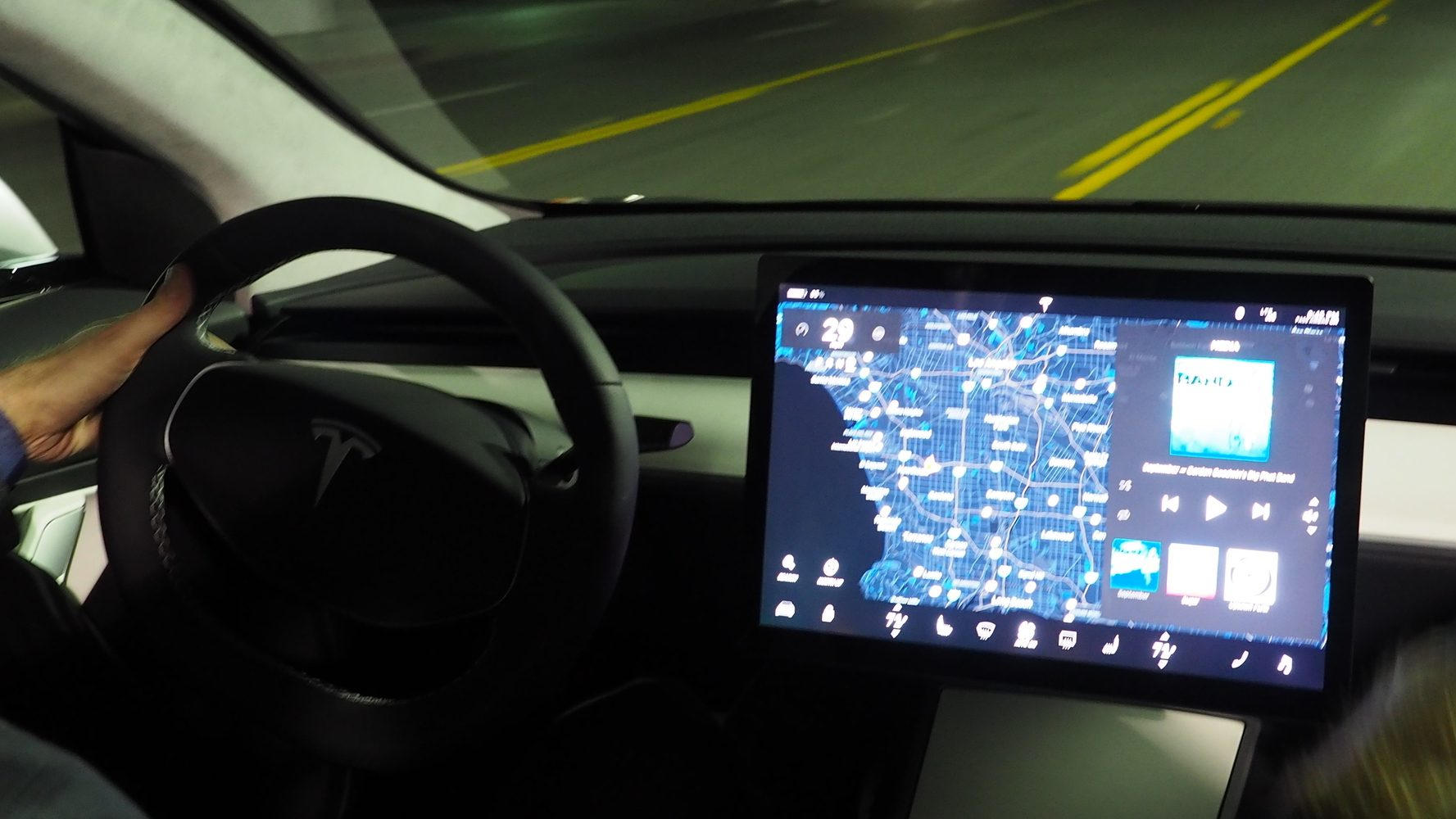 The differences in the displays of the Tesla Model 3 and Model S/X