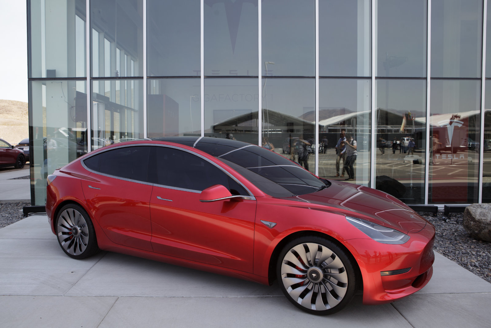 Tesla has collected a total of 260 cars Model 3