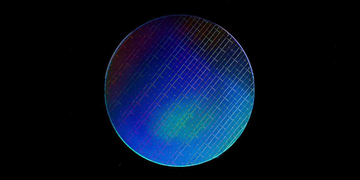 Intel is developing spin qubits operating at higher temperatures