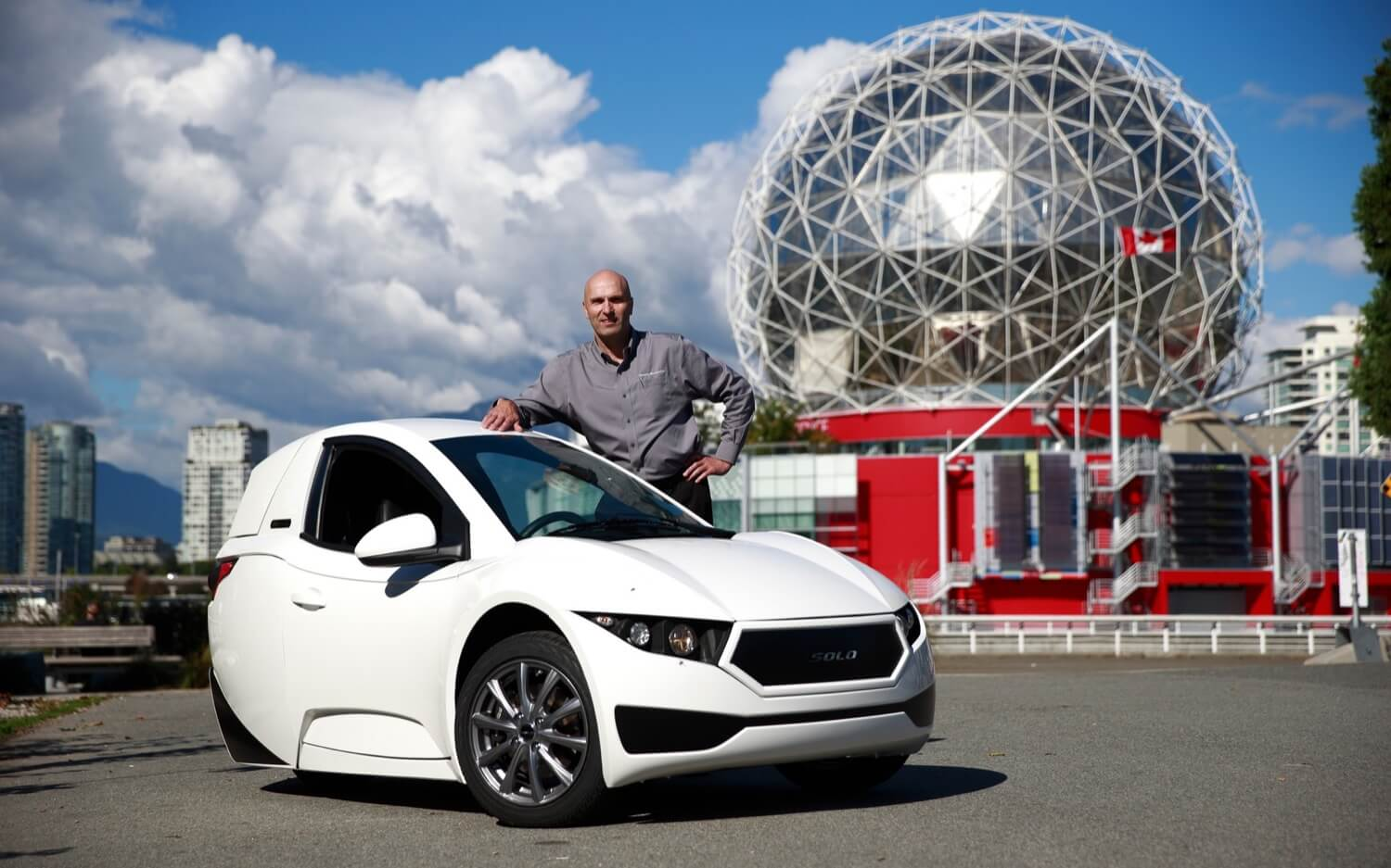 Three-wheeled electric car from Canada shocking their first owners