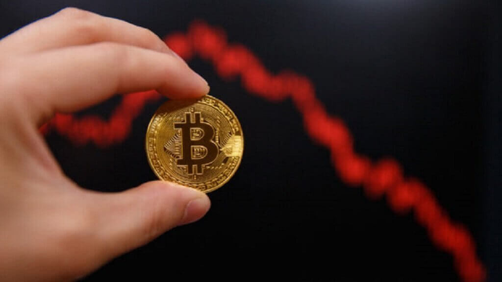 Bloody Sunday: why falling Bitcoin?