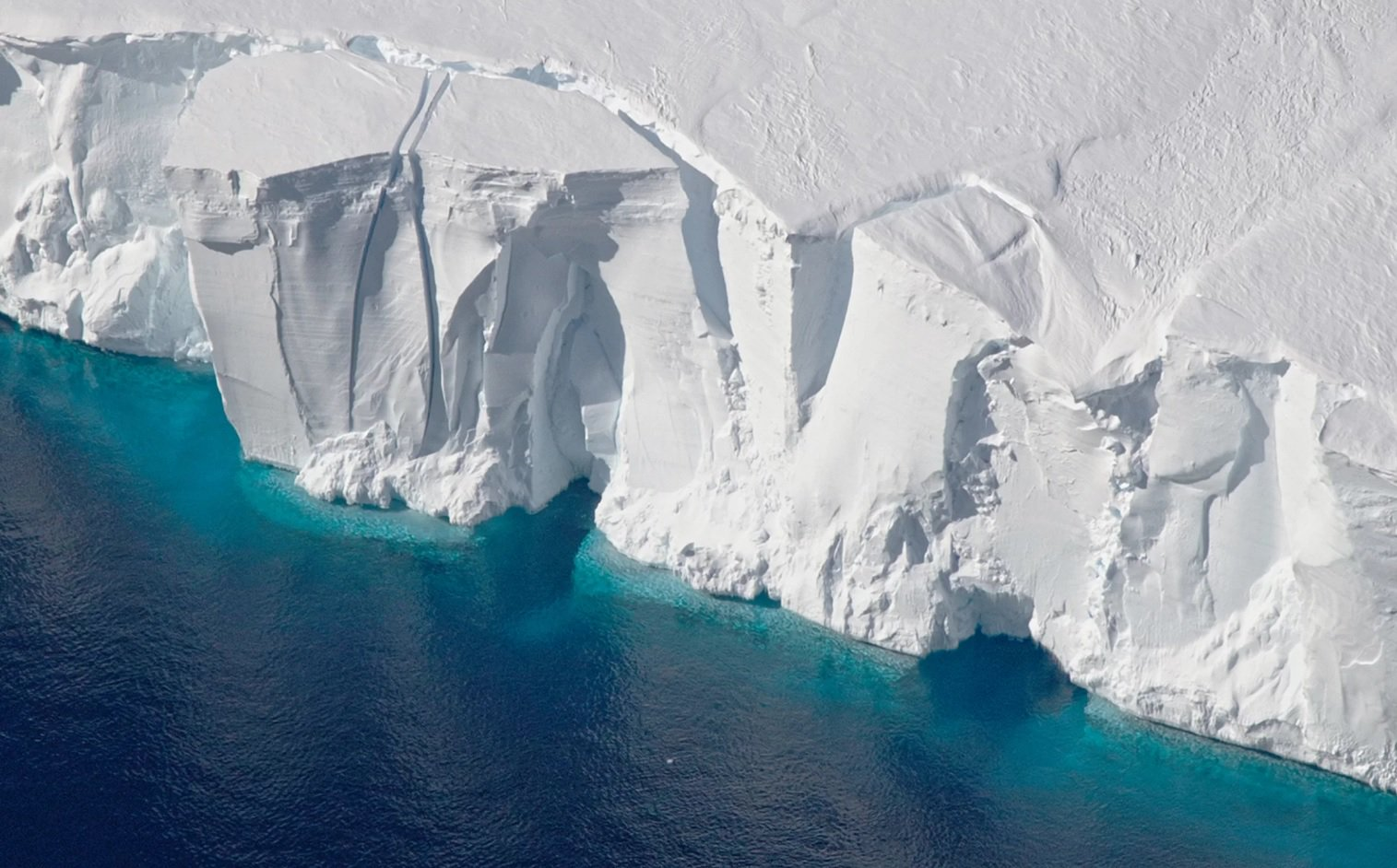 Reserves of ice in Antarctica over the past 25 years has declined significantly