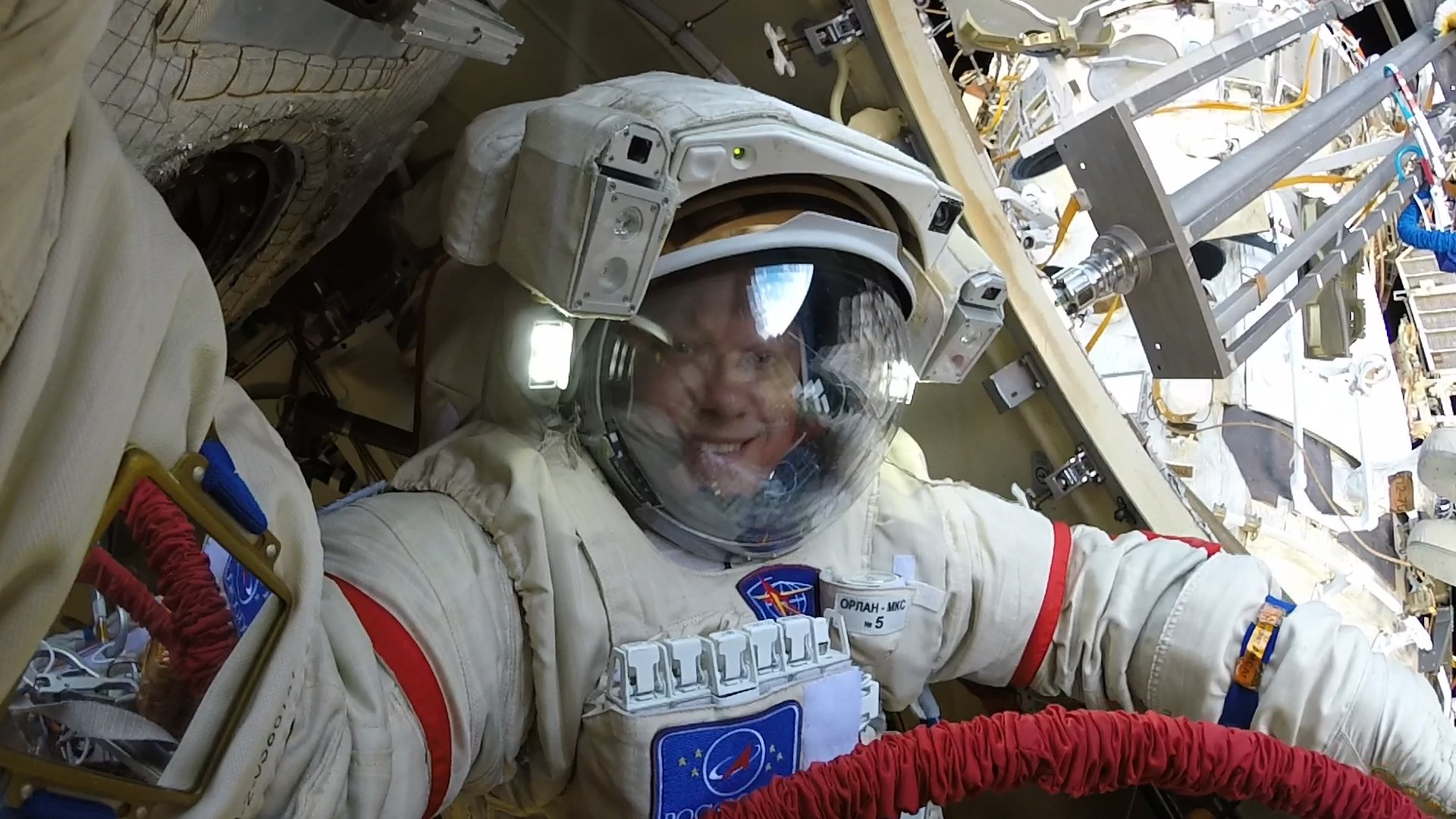 #gallery | Cosmonaut Oleg Artemyev has shared photos of the spacewalk