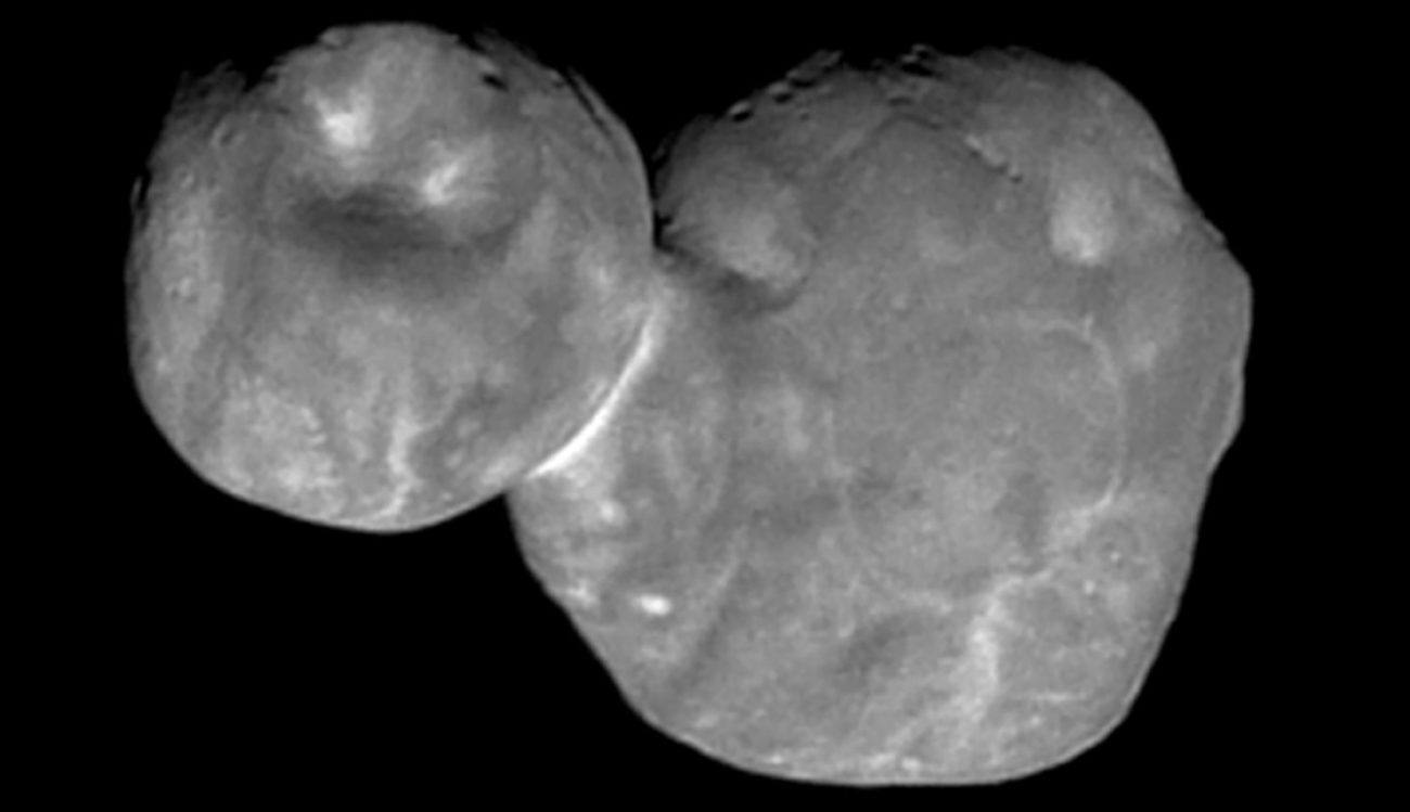 #photo | Pits and scars on the surface of the asteroid Ultima Thule
