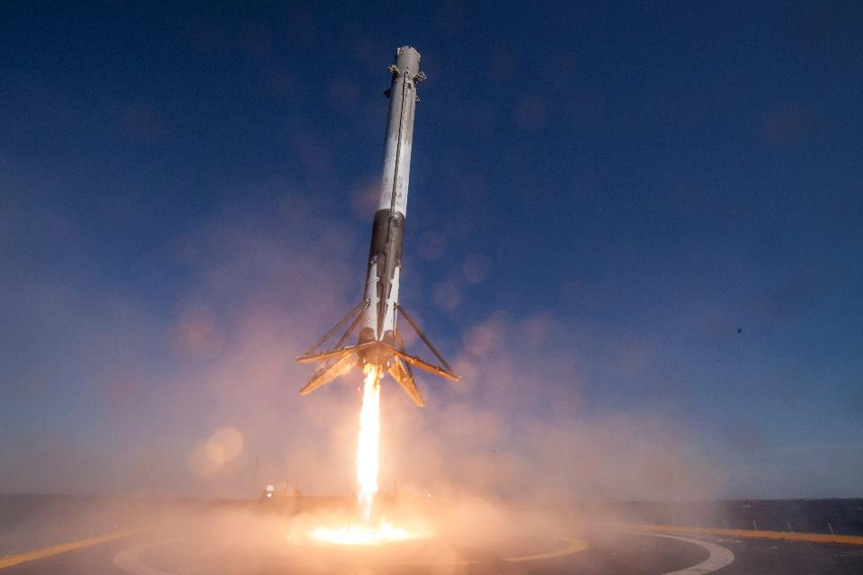 SpaceX will deliver to the ISS the deadly bacterium