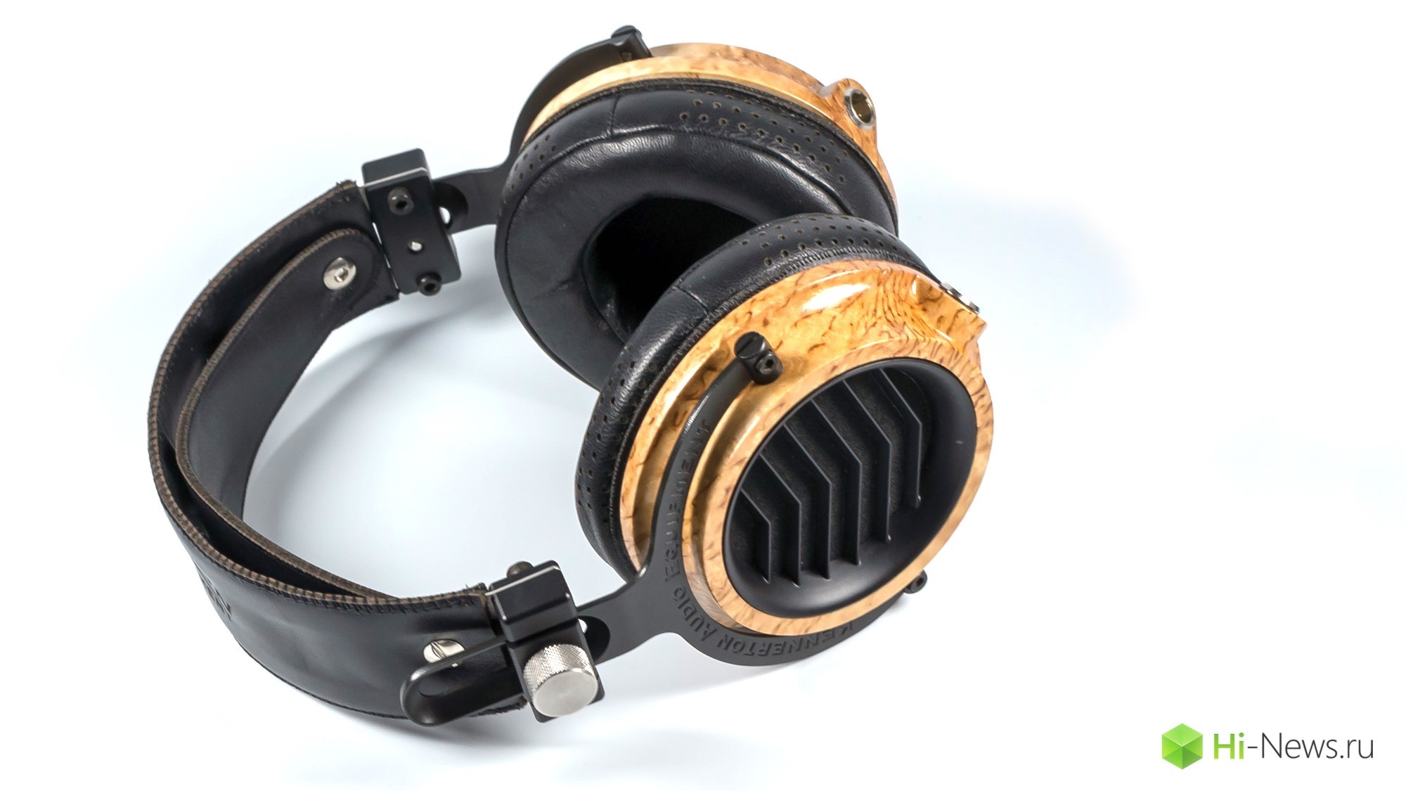 Review headphones Kennerton Odin — now from the wood of Yggdrasil