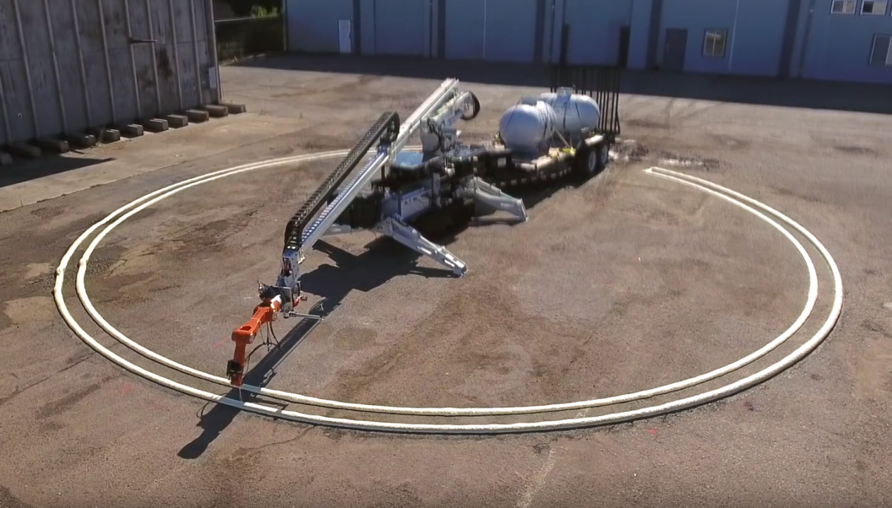 Building a robot with nozzles printed the largest building and broke the record
