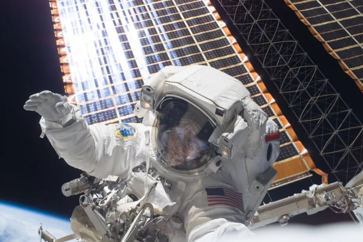 Houston, we have a problem: NASA ends space suits