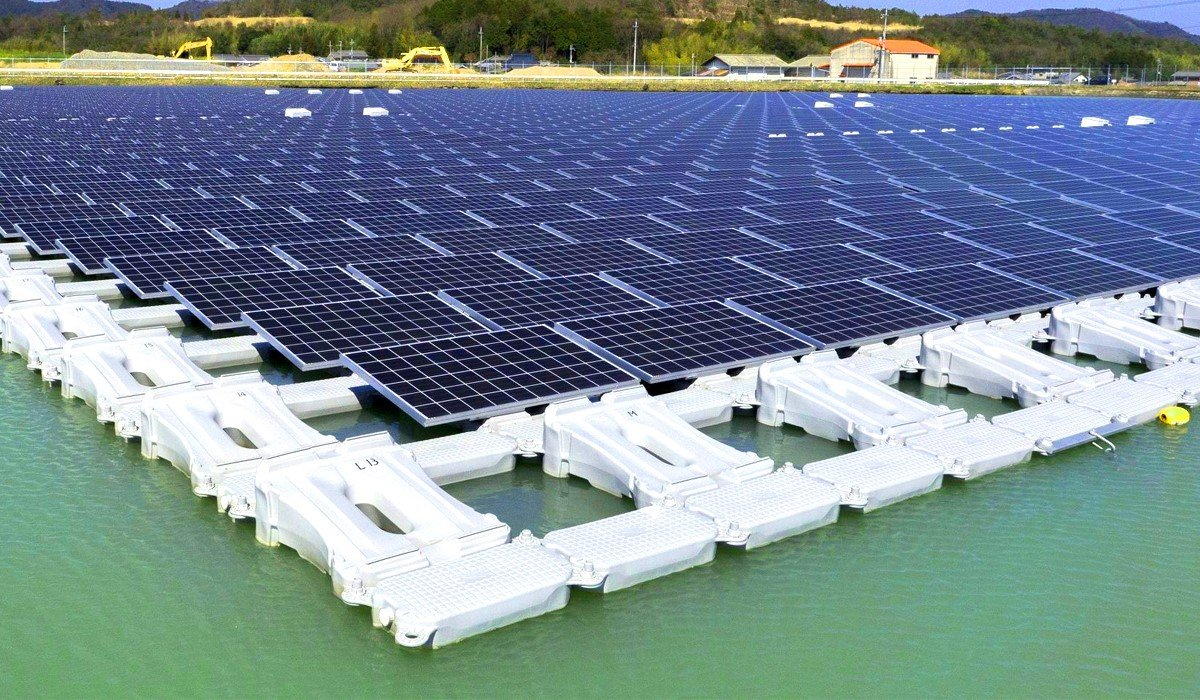 In South Korea, will build the largest rotating solar power station on water