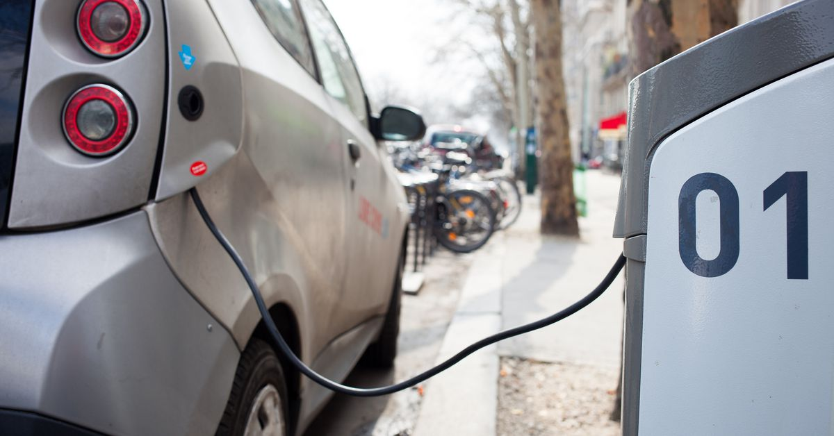 Rostec will install charging for electric vehicles on Federal highways of the Russian Federation