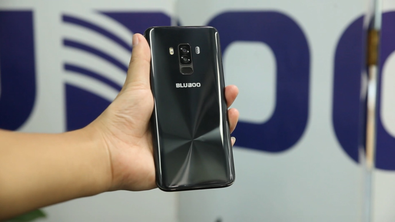 New smartphone BLUBOO light up on the video