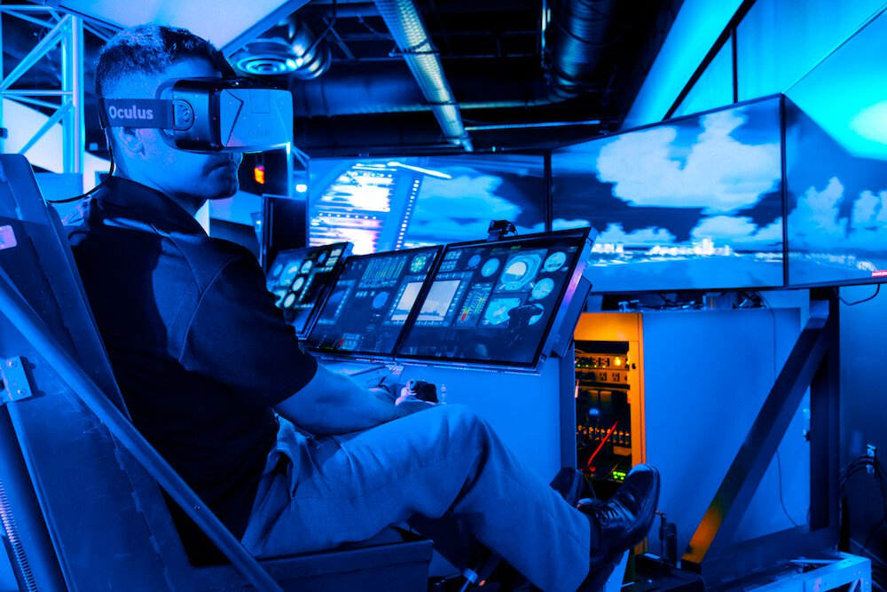 Pilots will begin to train in virtual reality