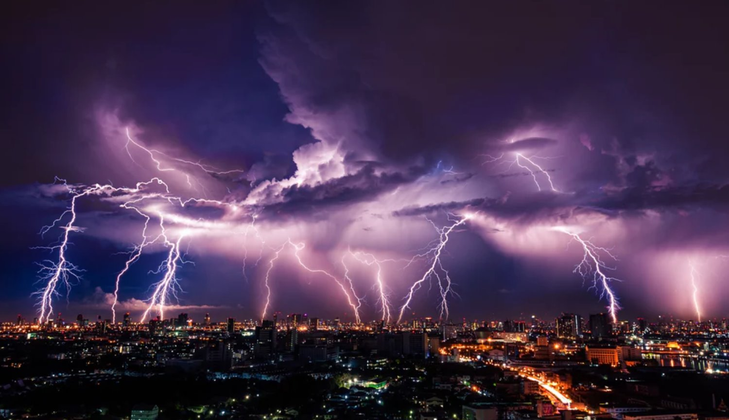 As electromagnetic waves from lightning affect living cells?