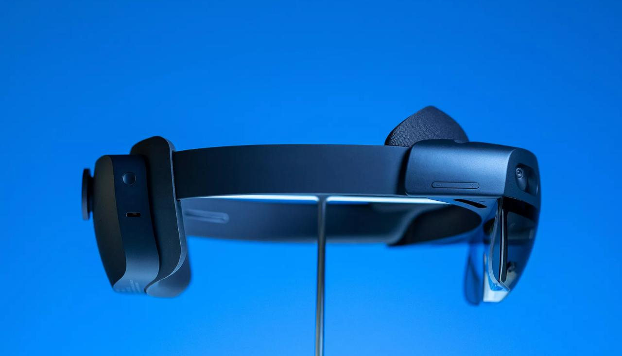 Mixed reality for home: the Microsoft HoloLens 2 for $ 3,500 better than the first version?