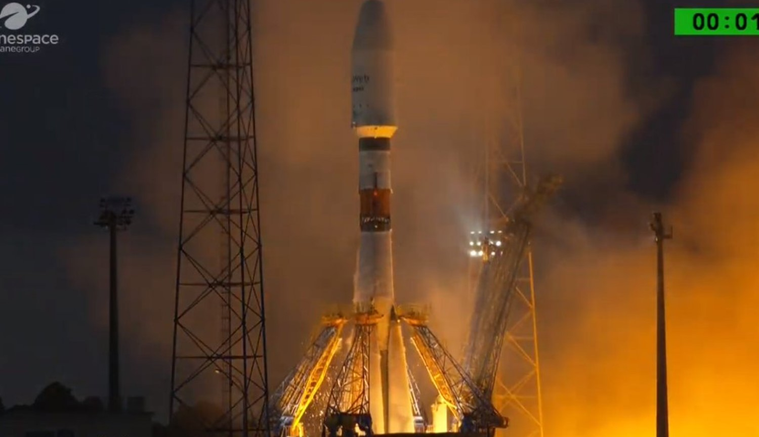 The Russian space Agency has launched six satellites for OneWeb deployment of the global Internet