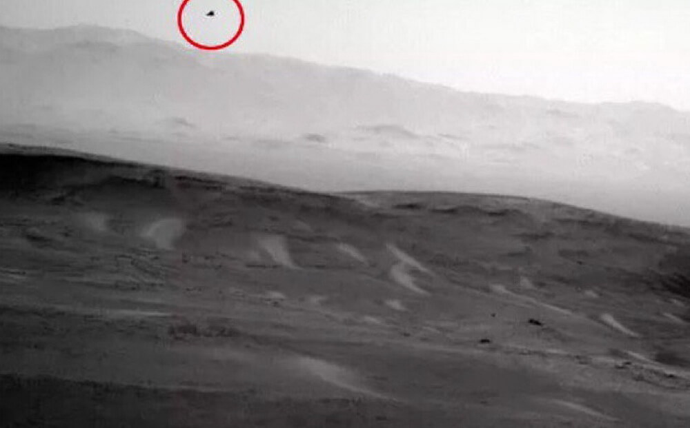 Curiosity is on the Ground. Ufologists have accused NASA of fraud because of pictures from Mars