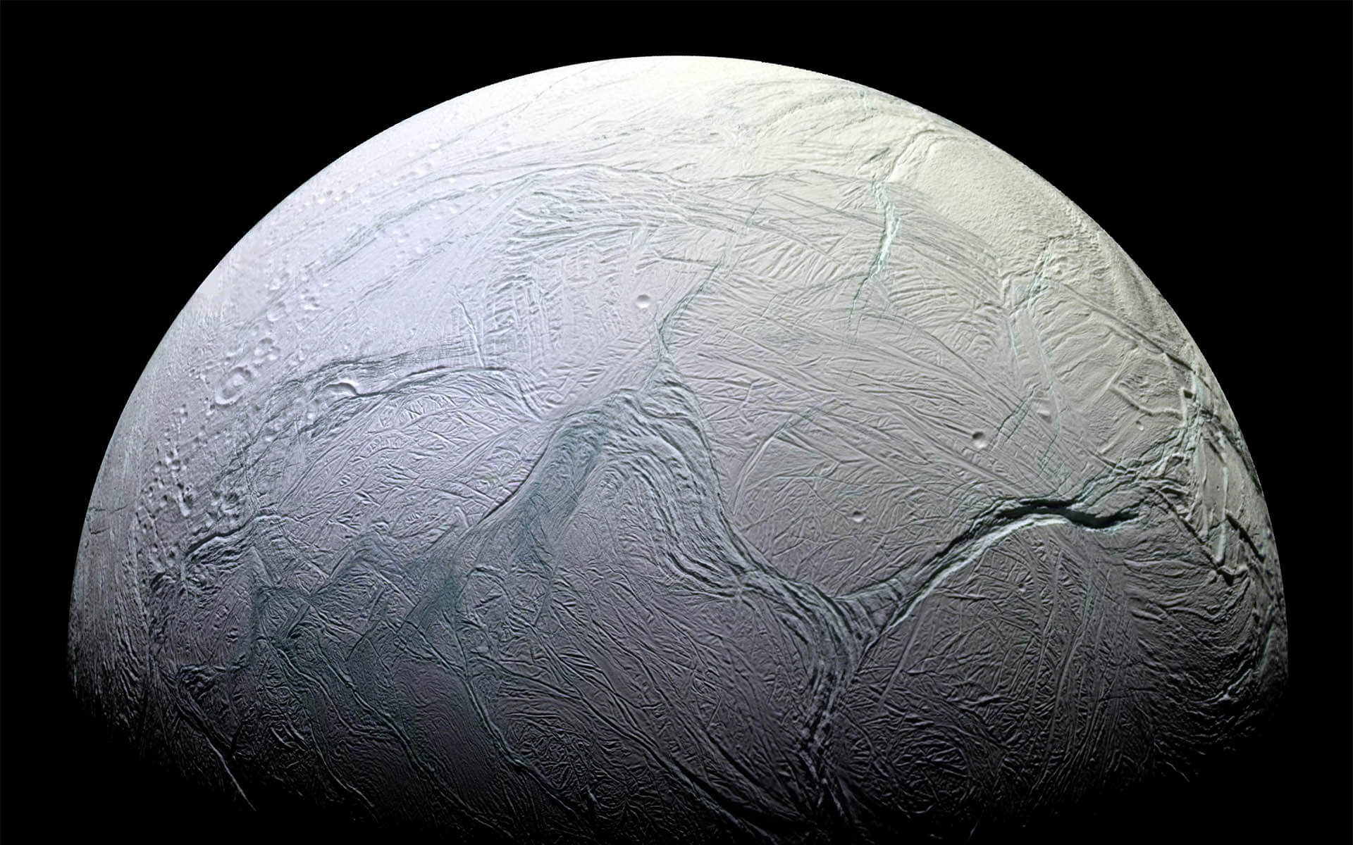 In the water of Saturn's moon found organic matter