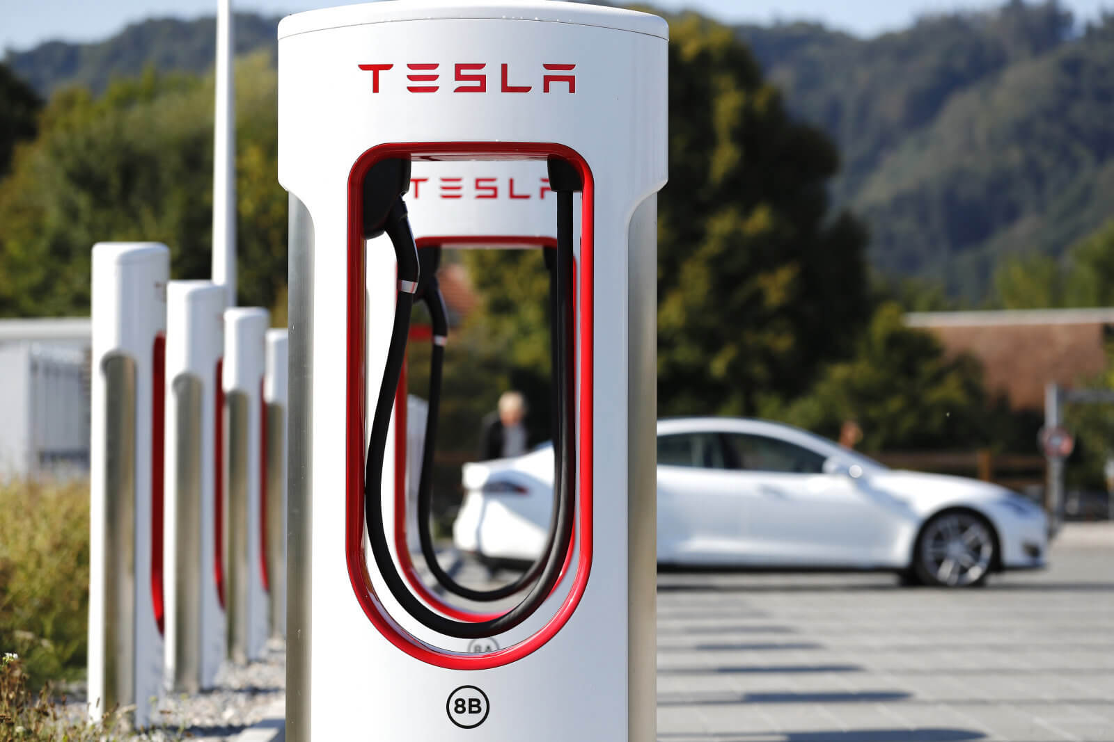 A new type of battery will enable electric cars to travel nearly 2,400 miles without recharging